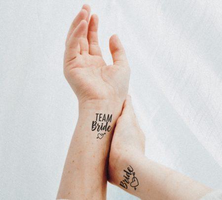 Lánybúcsús tetoválás